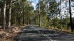 über Nebenstraßen geht es in den Karuha-Naturpark...