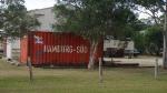 Ist sicher ein paar Mal um die Welt gereist, der Container, bis er dann hier in der australischen Pampa gestrandet ist.