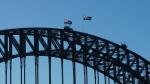 ...und noch weiter rechts dann die Harbour Bridge.